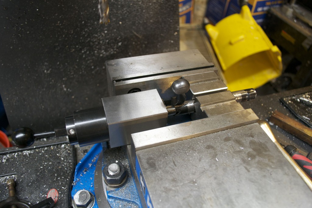 bolt in milling machine vise